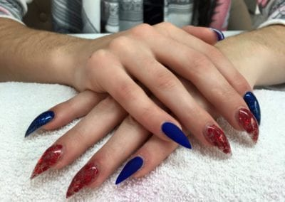 Nageldesign blue red Infinity-Nails